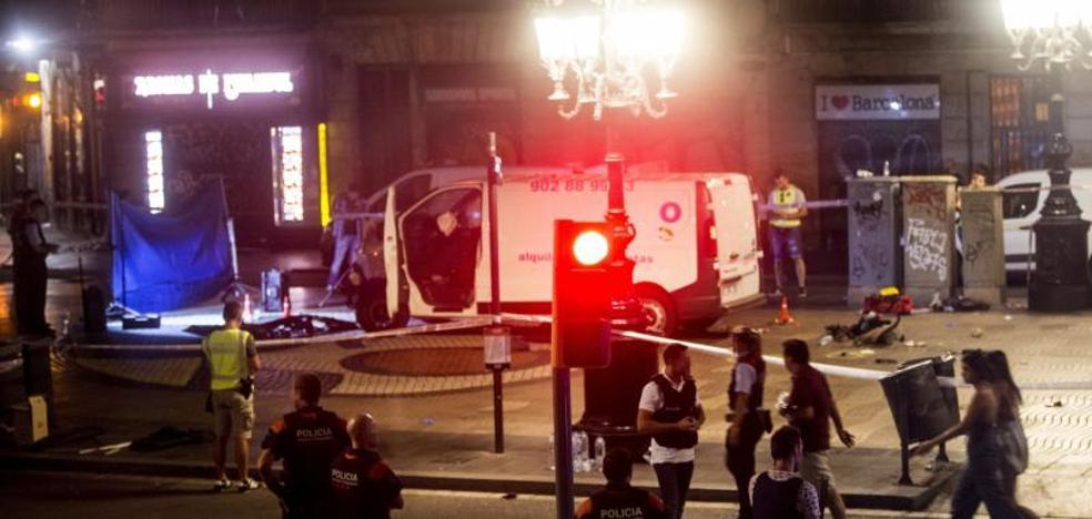 El enigma del español que 'se saltó' el control policial y murió apuñalado