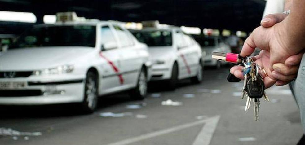 Cárcel para un taxista por violar a una clienta dormida y ebria en Madrid