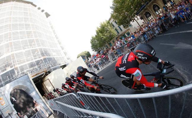 El BMC gana la contrarreloj de Nimes