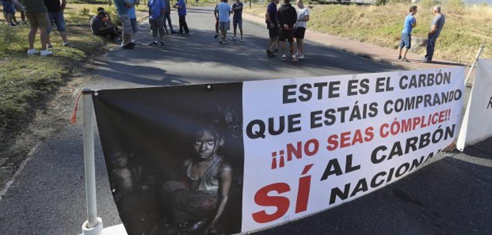 La plantilla de Astur Leonesa reclama a Endesa que cumpla el Plan del Carbón