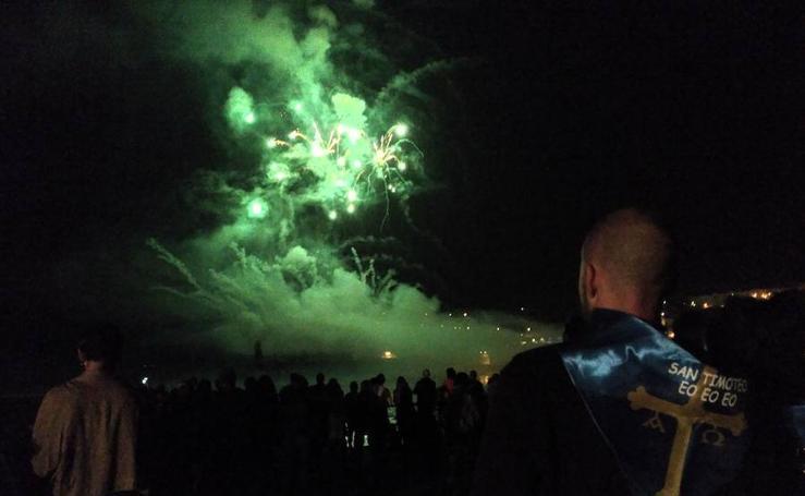 Los fuegos artificiales de San Timoteo en Luarca