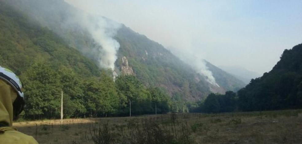 Las temperaturas máximas descienden, pero dan paso a dos incendios en Belmonte