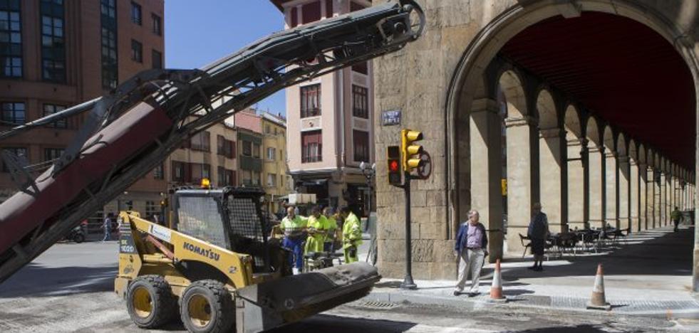 Xixón Sí Puede insta a Foro a solventar las «deficiencias» en la calle Marqués de Esteban