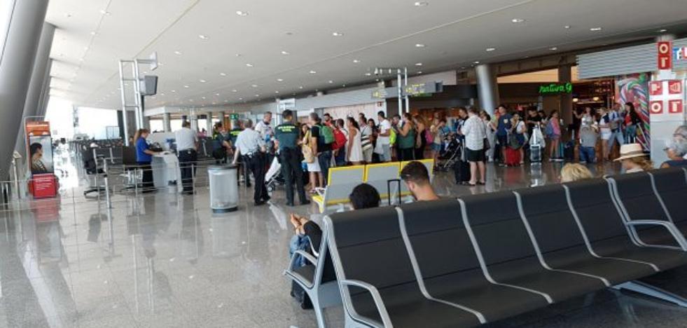 «Nos dejaron veinte horas tirados en Mallorca»