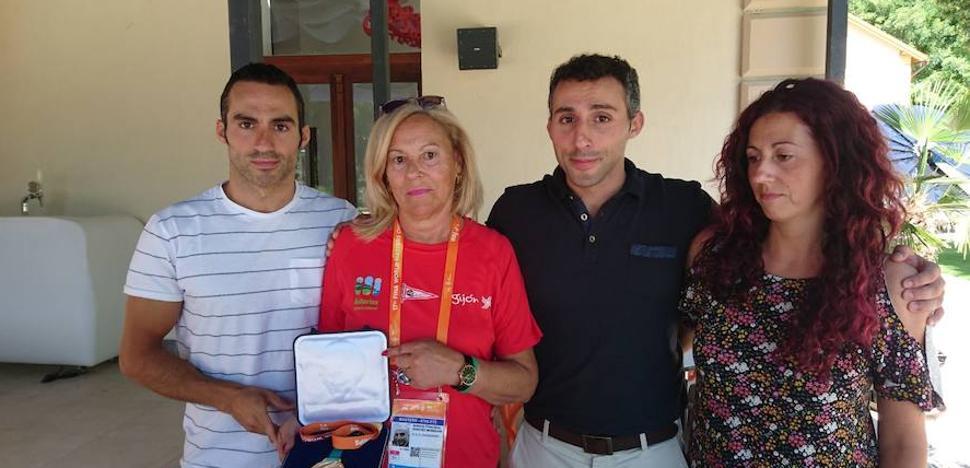 Medalla de Oro a Título Póstumo para Antuán
