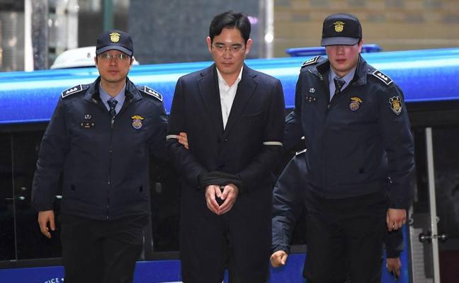 La fiscalía recurre la «ligera» sentencia del heredero de Samsung