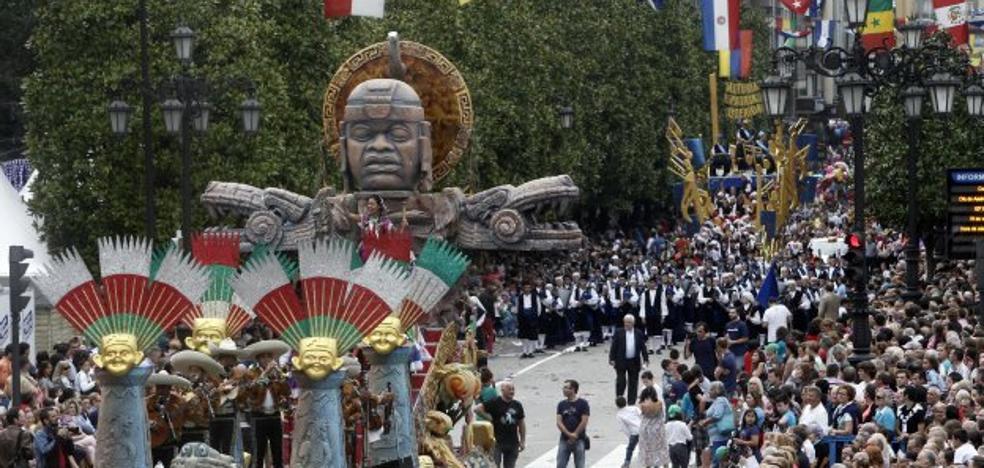 Veintitrés grupos fusionarán ritmos latinos, regionales y chirigotas en el Día de América