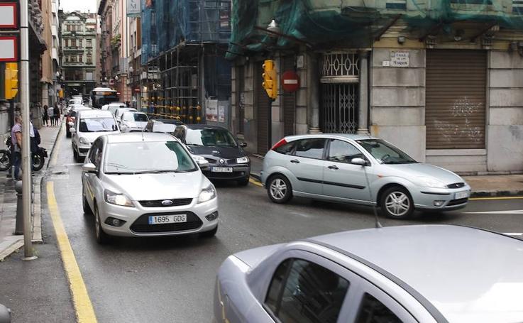 Atascos en Gijón por dos manifestaciones