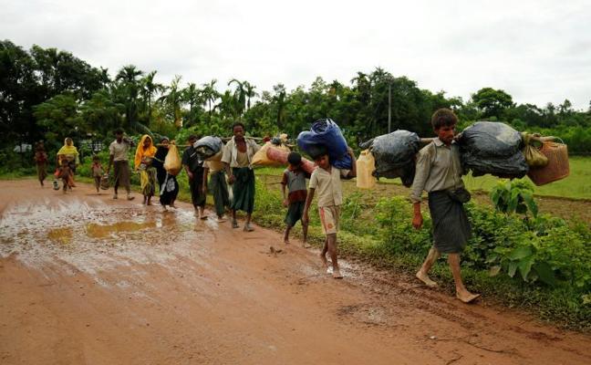 Más de 27.000 refugiados huyen de Birmania a Bangladés