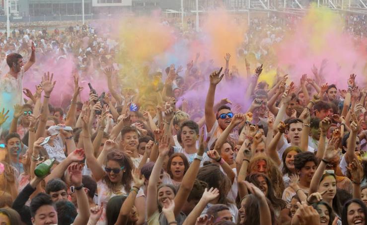 ¿Estuviste en la fiesta Holi Peace de Gijón? ¡Búscate!