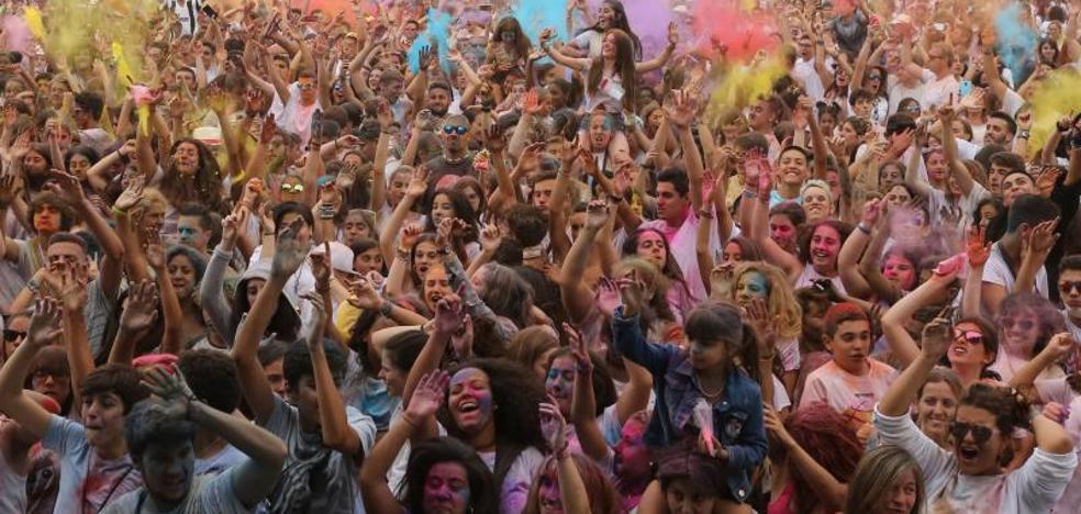¿Estuviste en la Holi Peace de Gijón? ¡Búscate!