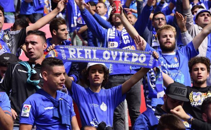 La afición del Oviedo en el derbi asturiano