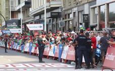 Gijón vibra con la llegada de la Vuelta en El Muro
