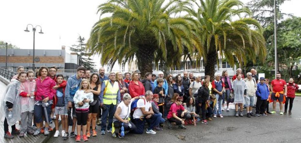 Cerca de 60 grupistas llevan la fiesta de Las Mestas a Mareo