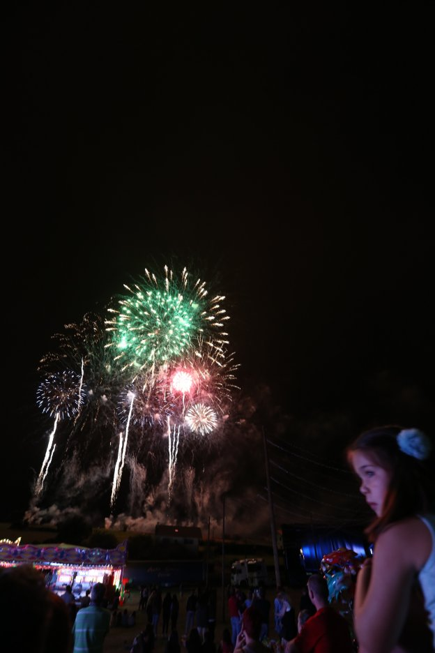 Fuegos artificiales con retraso y suspense
