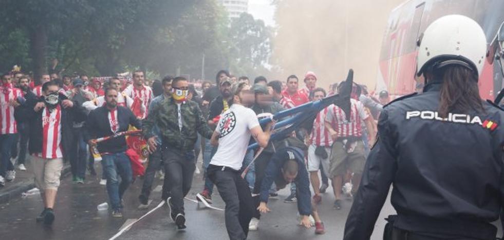 La Policía cierra la investigación de los ultras del Sporting con doce detenidos
