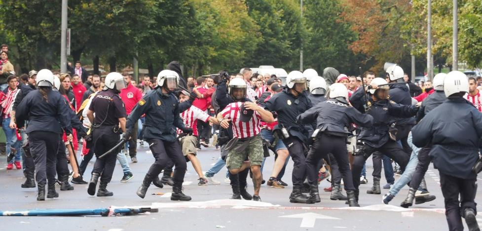 La Liga pide personarse como acusación en las diligencias por los disturbios del derbi