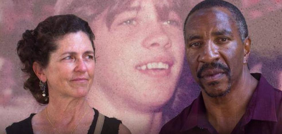 La sorprendente historia de la mujer que ayudó a conseguir la libertad para el asesino de su hermano
