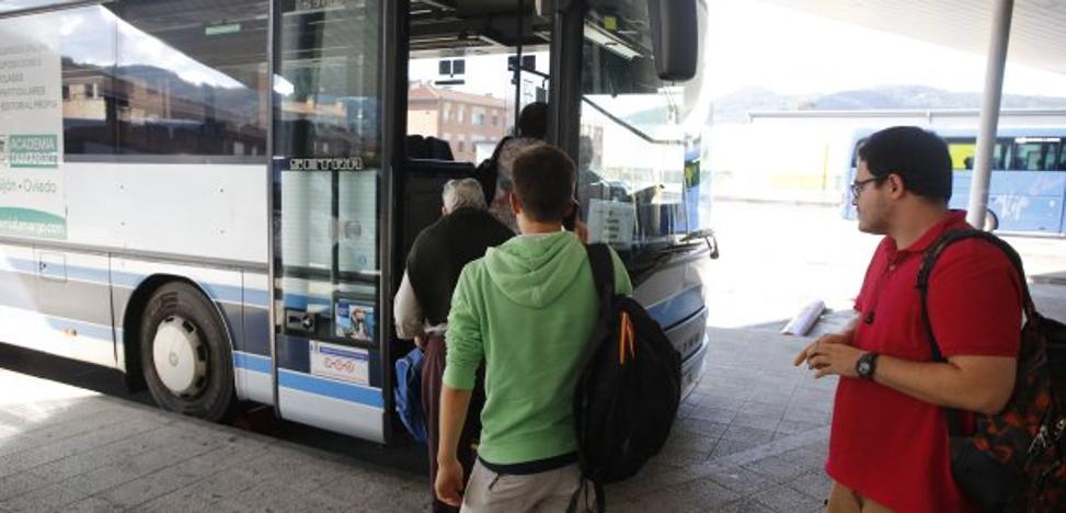 El campus de Mieres estrena el autobús a Gijón