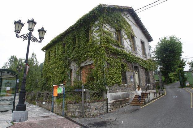 Actual estado del edificio en el que se reinstarlará el consultorio una vez reformado.
