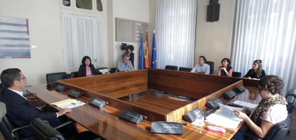 Las listas de espera no se publicaron por «inconveniencia política», dice la Junta