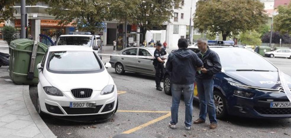 Hallan en Vigo el cuerpo de un llanisco que llevaba dos días fallecido en su coche