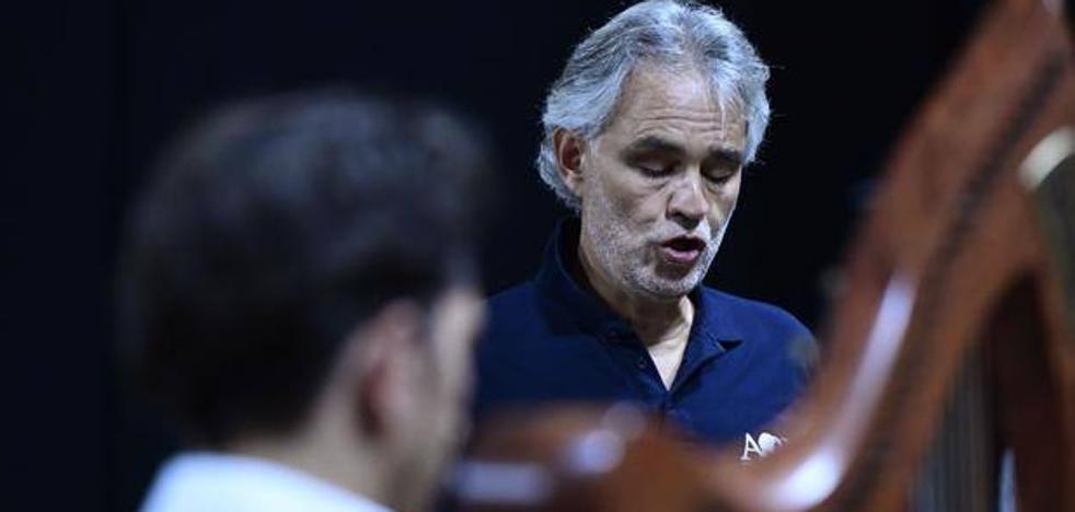 Andrea Bocelli, hospitalizado de urgencia tras caerse de un caballo