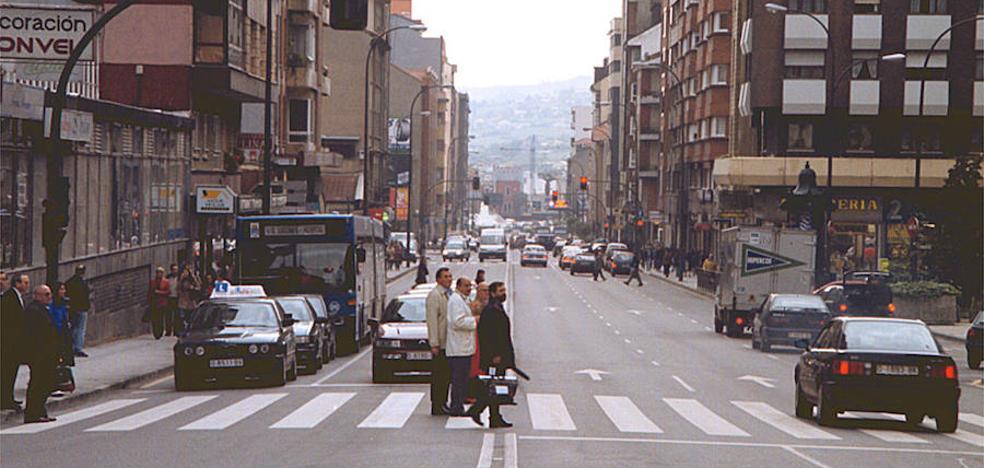 Una joven atropellada en la calle General Elorza de Oviedo