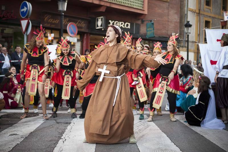 Desfile de color, música y fiesta para despedir las fiestas de Candás