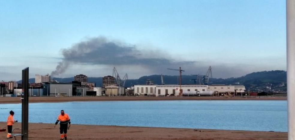El Principado detecta que la contaminación se dispara por las noches en la zona oeste de Gijón