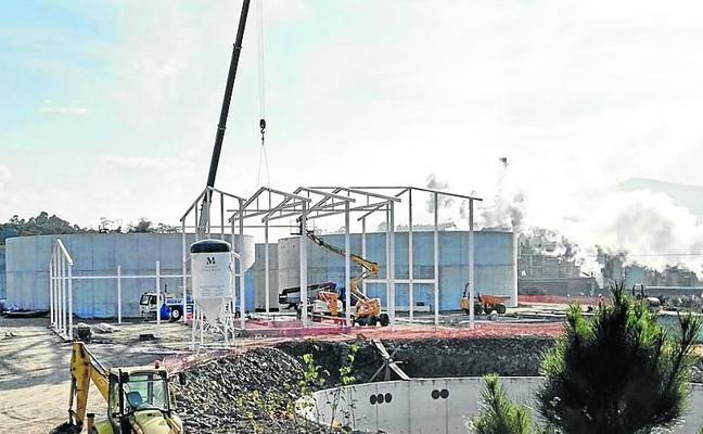 Autorizan más residuos en la planta de purines de Navia
