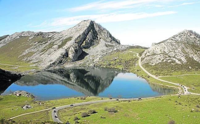 El PP defiende que «Asturias merece un tren cremallera a los Lagos»