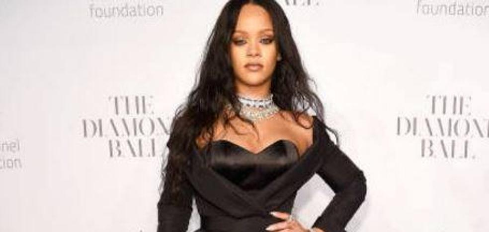 Rihanna le pide a David Copperfield que le devuelva su virginidad