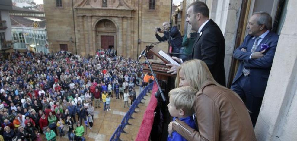 «El Real Oviedo es una puerta, un acceso a la ciudad y a lo mejor que tiene, su gente»
