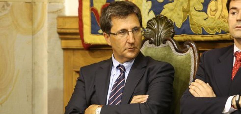 Ana Caro sustituye a Lorenzo Almanza como gerente de la Universidad