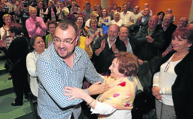 Barbón quiere unir a la izquierda y un PSOE «a la vanguardia del cambio»