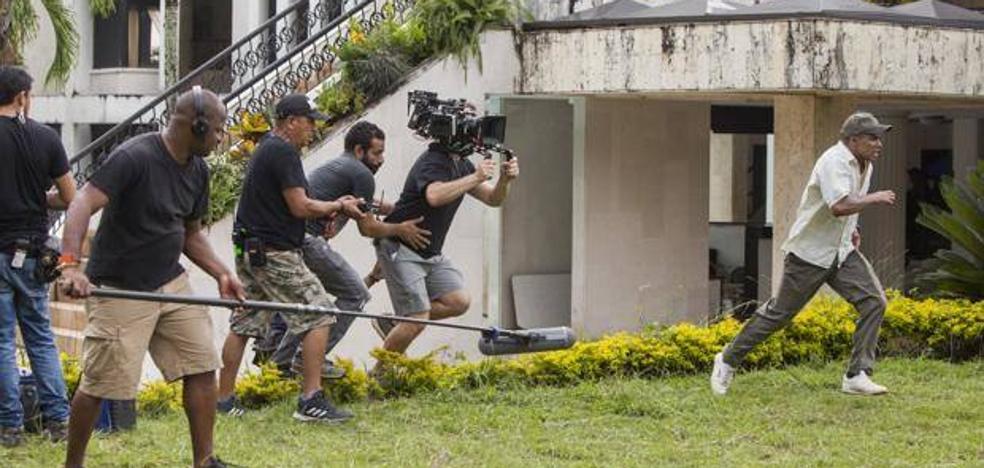 Asesinan a un ayudante de producción de 'Narcos' cuando buscaba localizaciones para la cuarta temporada