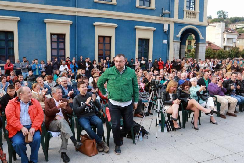 Acto de campaña de Adrián Barbón en Pola de Laviana