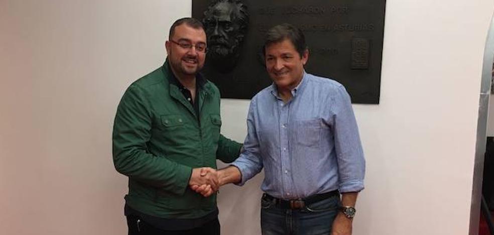 Barbón se impone en Gijón a Pérez en las primarias de la FSA
