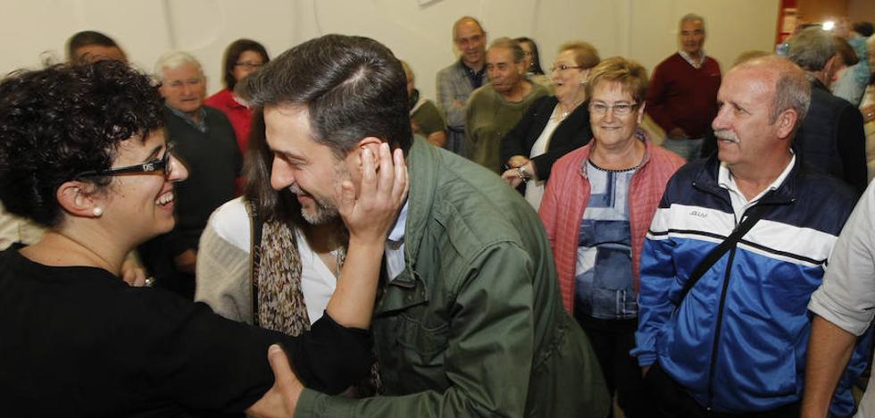 Pérez recuerda que el aparato del PSOE ya «ni nombra ni promueve» al secretario general
