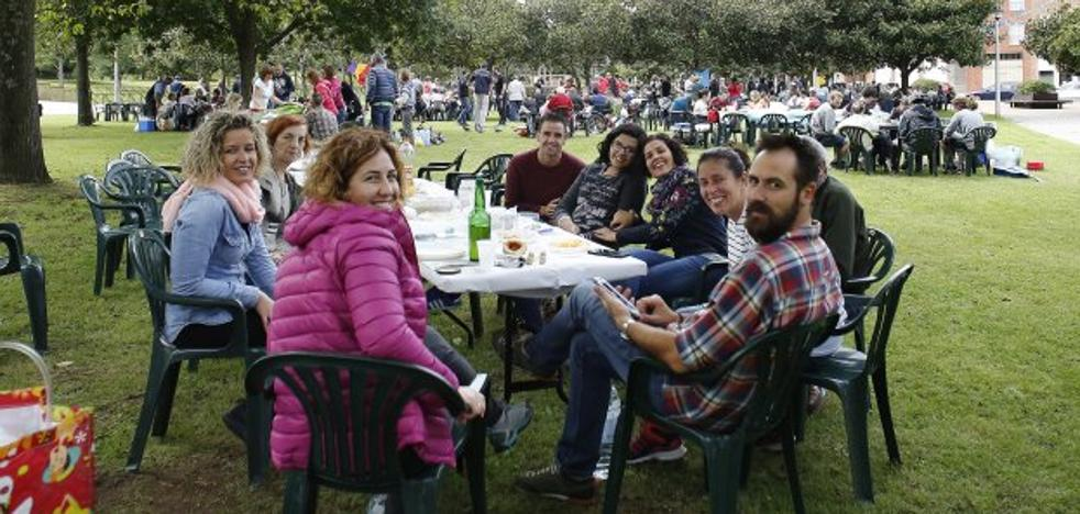 Paella y hermandad por La Soledad