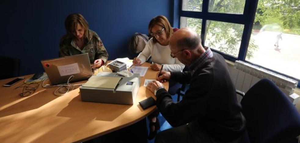 La Policía Nacional tramita el DNI en Corvera