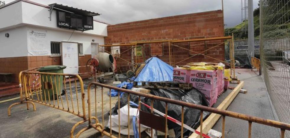 El campo de Oreyana sustituye la antigua caseta por una nueva oficina