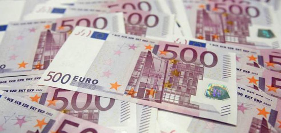 El misterio de los retretes suizos atascados con billetes de 500 euros