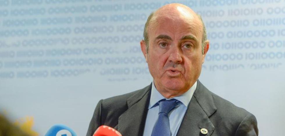 De Guindos avisa de que «todo el mundo perdería» con la secesión