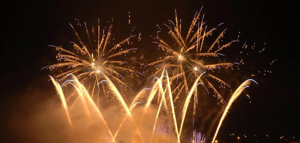 33.500 artificios pirotécnicos iluminarán hoy la noche ovetense