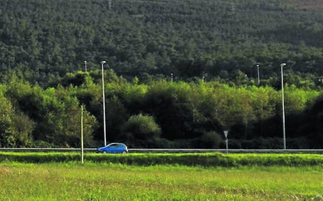 Los vecinos de Barcia denuncian «oscurantismo» en el desarrollo de la cantera