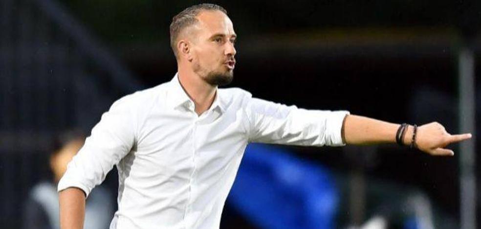 Destituido el entrenador de la selección inglesa femenina por conducta «inapropiada»