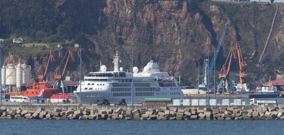 El crucero Silver Wind visita Gijón con 280 pasajeros