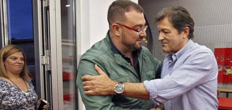 La agrupación del PSOE de Laviana aprueba por mayoría la gestión de Javier Fernández